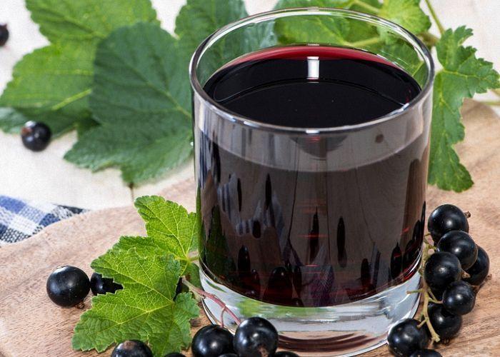 Вино из сока чёрной смородины в домашних  411