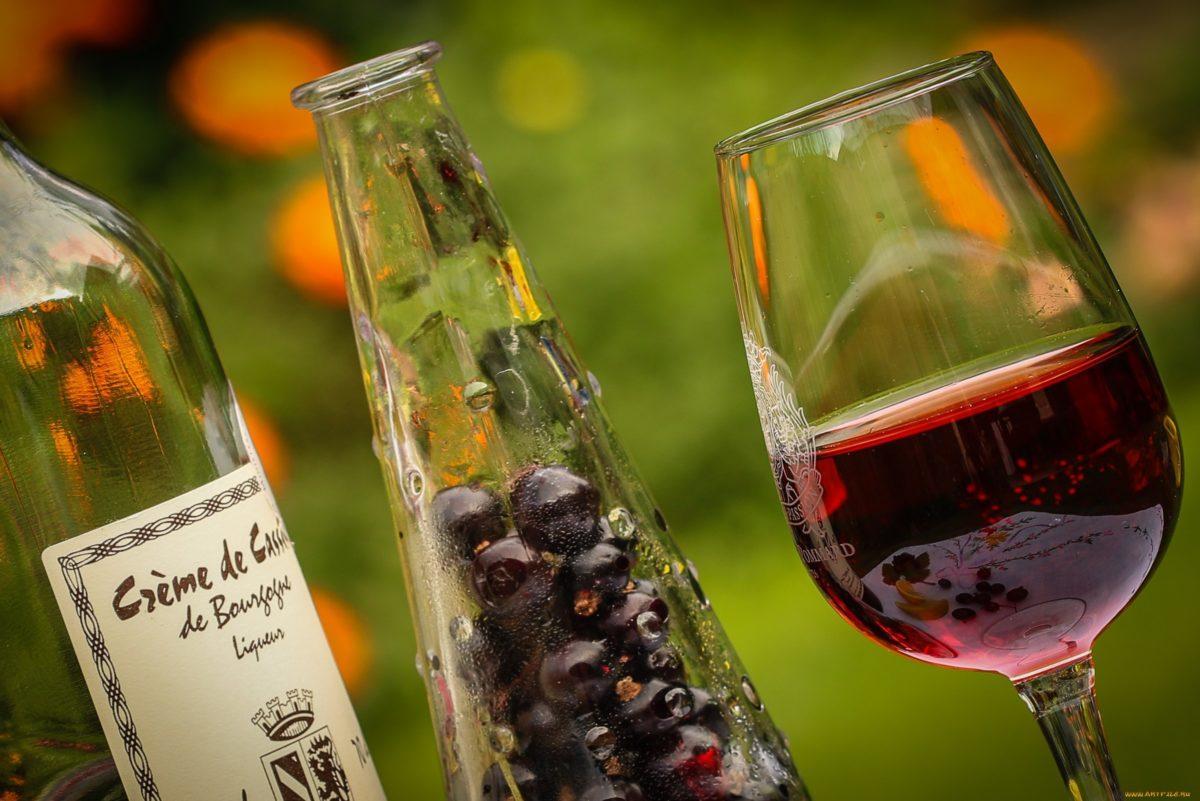 Как сделать вино из чёрной смородины в домашних условиях рецепт