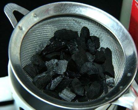 Фильтрация самогона углем