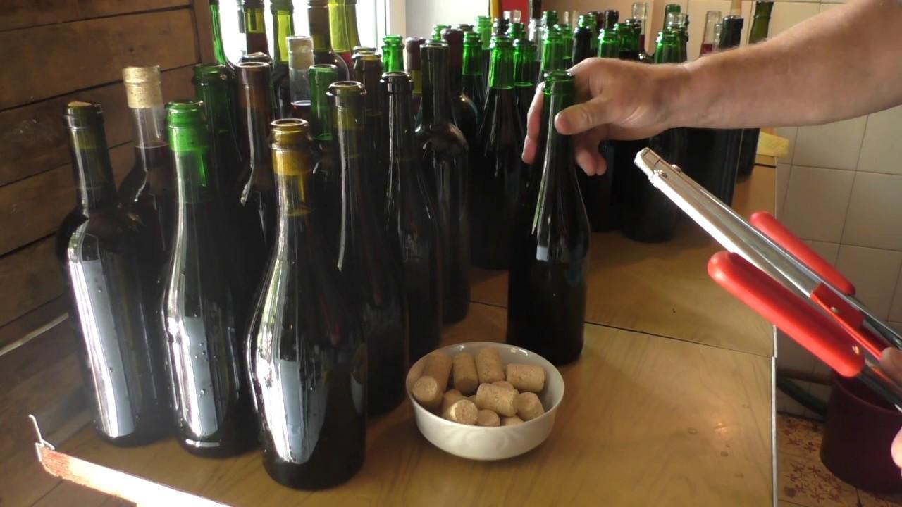 Хранить вино дома рекомендуется в подвале, при условии, что там нет повышенной влажности, а температура воздуха не превышает 10 С.