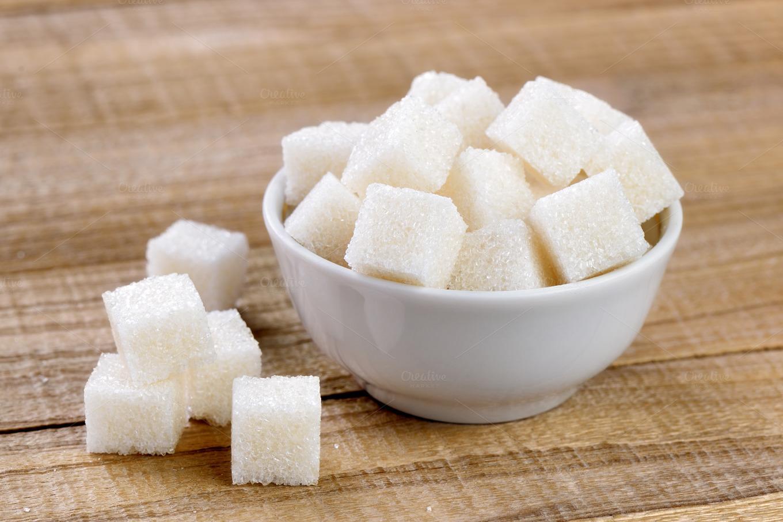 Чистим самогон сахаром