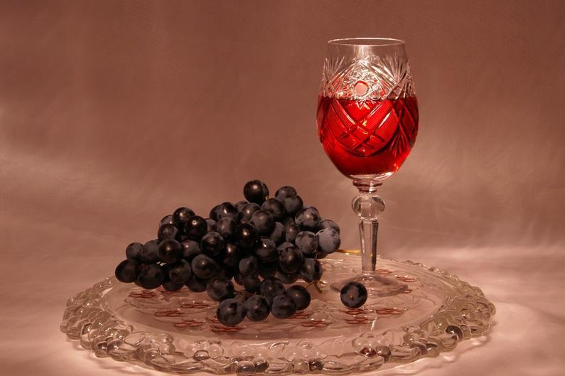 Как сделать крепленое вино из винограда