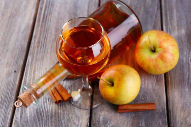 Настойка из яблок с медом