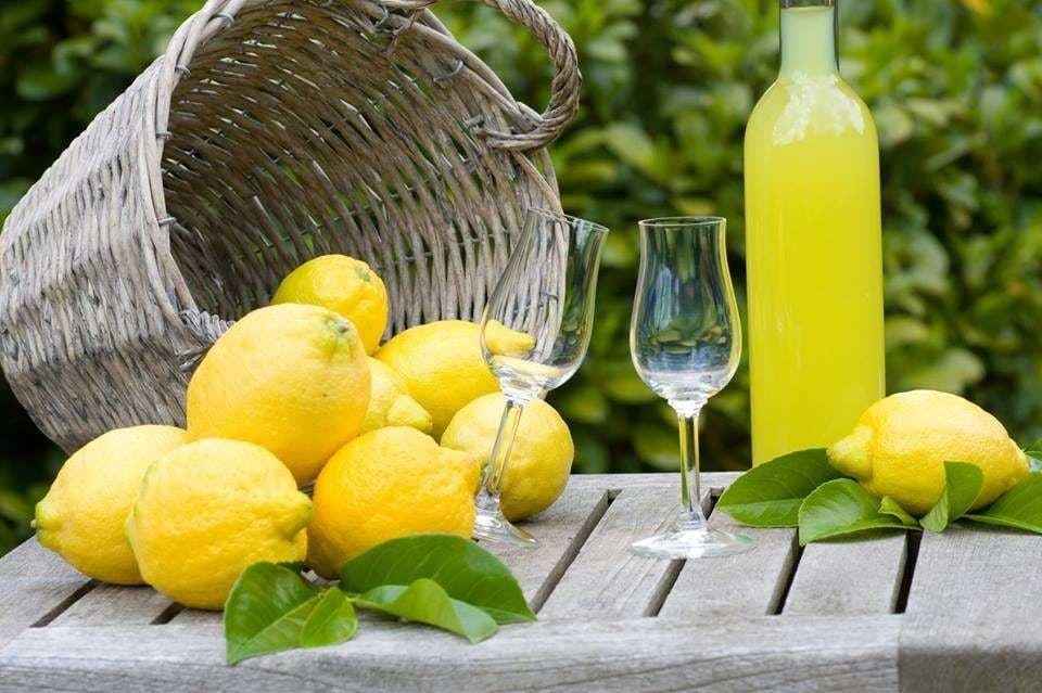 Как приготовить лимонную настойку?