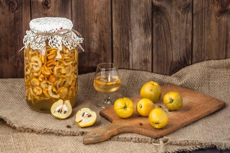 Ингредиенты для настойки из айвы