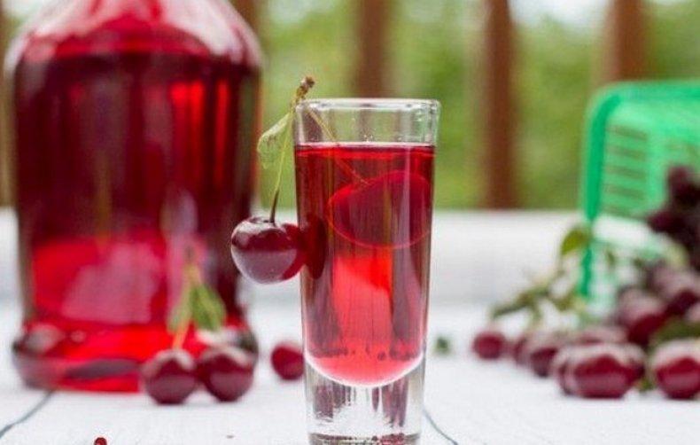 Как готовить вишневую настойку на самогоне