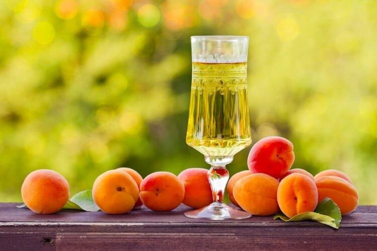 Приготовление абрикосовой настойки